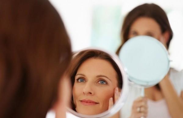 Не старит ли вас макияж?