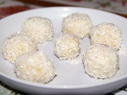 конфеты из творога, песочного печенья