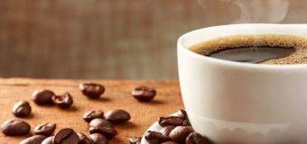 Ученые рассказали, можно ли гипертоникам пить кофе