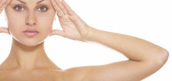 Косметологи подсказали, как «подтянуть» лицо в домашних условиях