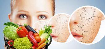 Косметологи назвали продукты, которые старят кожу