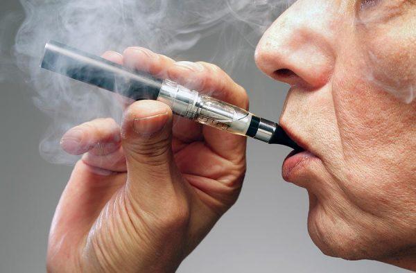 курение вейпов